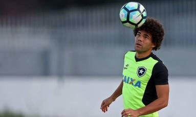 Camilo no treino do Botafogo Foto: Vitor Silva/SSPress/Botafogo/Div / Vitor Silva/SSPress/Botafogo/Divulgação