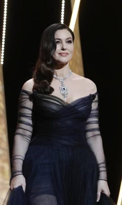 Monica Bellucci escolheu um modelo repleto de safiras e diamantes. A marca ainda não foi divulgada Thibault Camus / AP