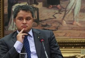 O deputado Efraim Filho, líder do DEM na Câmara, cobra posicionamente do presidente:
