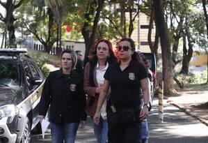 Irmã do senador Aécio Neves, Andrea Neves chega ao IML de Belo Horizonte para fazer exame após ser presa nesta manhã em Belo Horizonte Foto: Marcos Alves/ Agência O Globo