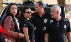 Irmã do senador Aécio Neves, a jornalista Andrea Neves foi presa nesta manhã pela policia federal. Na foto Andrea chega ao IML para exame Foto: Marcos Alves / O Globo