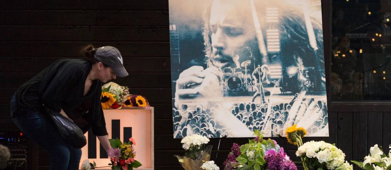Fãs prestam homenagem ao cantor Chris Cornell em Seattle Foto: David Ryder / AFP