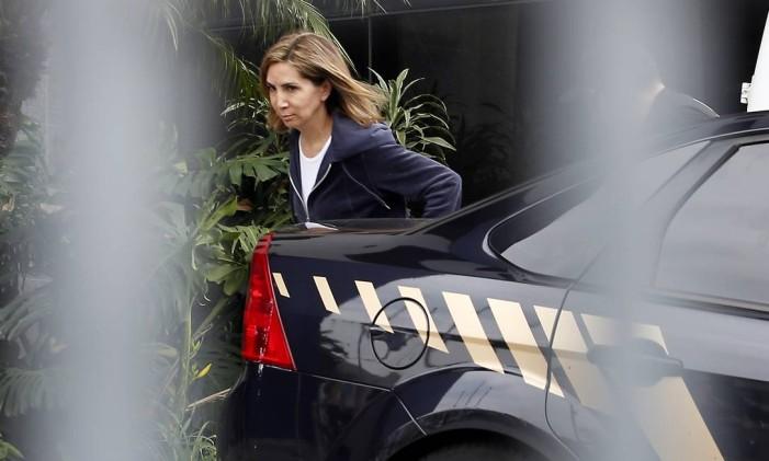 São Paulo (SP) — Darcy Vera chegando na Superintendencia da PF, na capital, depois de ser presa, em dezembro de 2016.