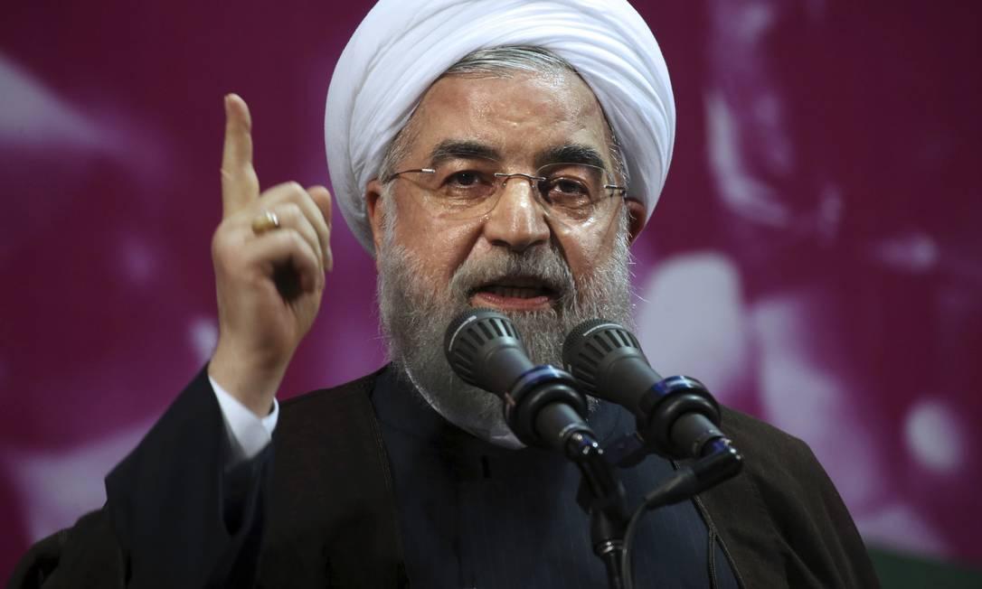 O presidente iraniano, Hassan Rouhani, fala em uma comício de campanha em Teerã. Para os mais jovens, Rouhani é o candidato favorito Vahid Salemi / AP