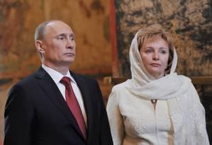 O presidente russo, Vladimir Putin, e sua ex-mulher Lyudmila em um evento em Moscou, em 2012 Foto: RIA Novosti / REUTERS