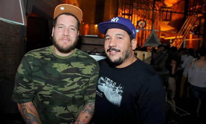 DJs Rapha Lima e Zeh do Roque: queridinhos das noivas Foto: Divulgação