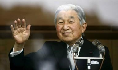 """Imperador Akihito, de 83 anos, deu a entender que quer abdicar o trono por temer que a idade o impeça de exercer o papel de """"símbolo da nação"""" Foto: Thomas Peter / REUTERS"""