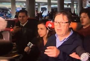 """Deputado Rodrigo Rocha Loureschegou dos EUAe foi recebido com gritos de """"ladrão"""" Foto: Reprodução"""