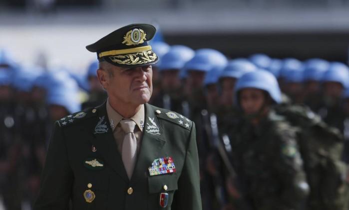 Resultado de imagem para Comandante do Exército se diz preocupado com 'constante emprego' de militares em ações de segurança pública