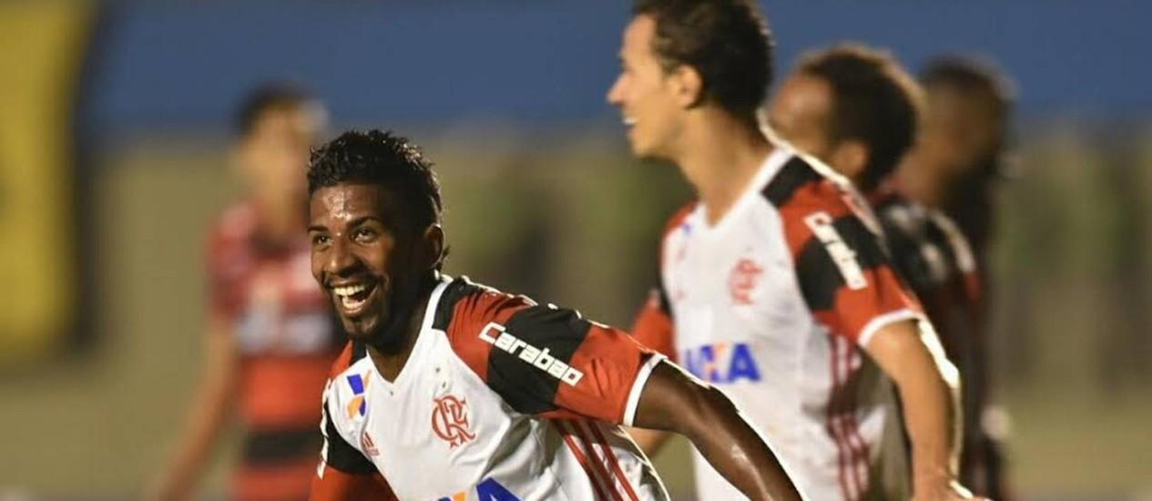 Rodinei comemora seu gol na vitória do Flamengo sobre o Atlético-GO Foto: Staff Images/Divulgação Flamengo