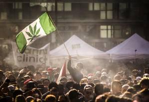 Marcha da maconha em Toronto, no Canadá Foto: Mark Blinch / AP
