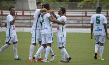 Jogadores da Portuguesa vibram com vitória sobre o URT na estreia pela Série D Foto: Divulgação/Portuguesa