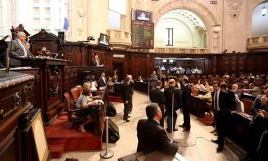 Alerj: plenário aprecia na quarta-feira mais contrapartidas do projeto de socorro financeiro Foto: Marcelo Theobald (04/04/2017) / O Globo