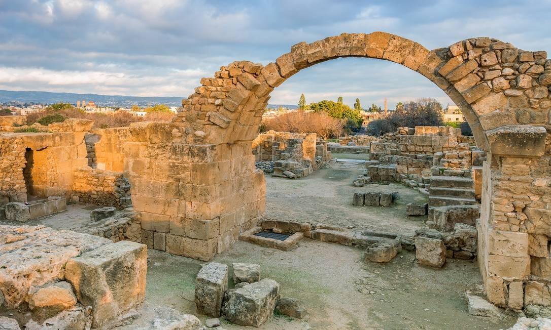 Pafos, na Ilha de Chipre, capital cultural da Europa em 2017, abriga monumentos históricos milenares Foto: Sergey Bogomyako/Shutterstock/Divulgação