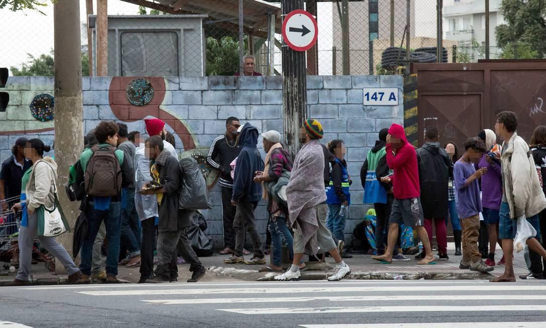 No dia da operação, 53 pessoas foram presas e 12 quilos de crack foram apreendidos Foto: Edilson Dantas / Agência O Globo