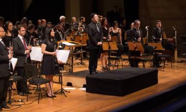 Banda Sinfônica de SP, em apresentação sob a regência do maestro Marcos Sadao Shirakawa Foto: Yuri Tavares / Divulgação