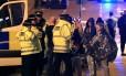 Autoridades socorrem vítimas em Manchester Foto: Reprodução