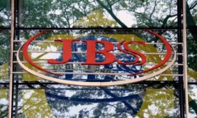 Logo da JBS Foto: Bloomberg