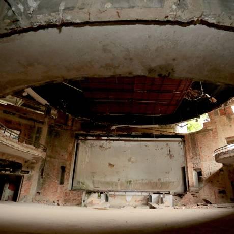 Projeto prevê a reforma do local onde funcionava a extinta TV Tupi: previsão é que novo teatro seja aberto ao público em até oito meses, para peças e outras atrações Foto: Roberto Moreyra / Agência O Globo