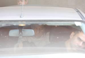 Tadeu Filippelli, assessor especial do presidente Michel Temer, é conduzido por policiais federais Foto: Andre Coelho / O Globo