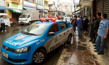 Quatorze lojas na Senador Rua Pompeu, no Centro Foto: Antonio Scorza / Agência O Globo