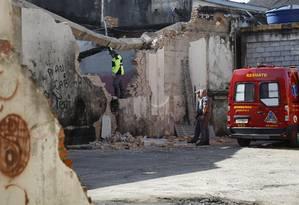 Imóveis foram demolidos e desapropriados para a construção de moradias populares e um hospital Foto: Edilson Dantas / Agência O Globo