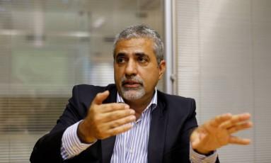 Christino Áureo considera aumento da alíquota previdenciária imprescidível para equilibrar contas do estado Foto: Domingos Peixoto / Agência O Globo