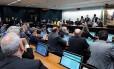 Votação da PEC das Diretas na Comissão de Constituição e justiça da Câmara é adiada em comissão