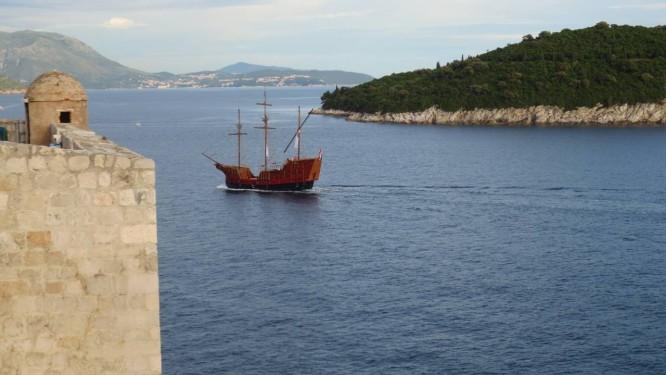 Protegido por muralhas, o centro histórico de Dubrovnik representa Kings Landing, na série