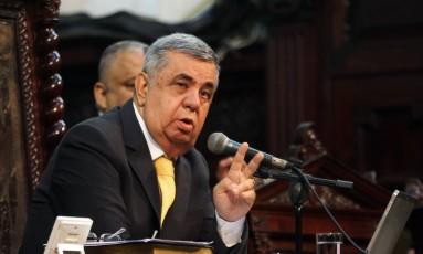 Deputado Jorge Picciani, presidente da Alerj que está licenciado para o tratamento de um câncer, aparece na Alerj para presidir votação da alíquota previdenciária Foto: Divulgação/Alerj