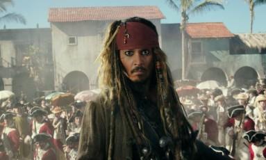 Johnny Depp em cena de 'Piratas do Caribe - A vingança de Salazar' Foto: Divulgação