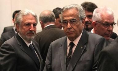José Luis Moreira, Eurico Mirando e Fernando Horta (atrás) quando ainda enram aliados Foto: MarceloSadio / Vasco.com.br