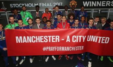 Jogadores de futebol de Manchester homenageiam vítimas de atentado terrorista Foto: Reprodução/Twitter