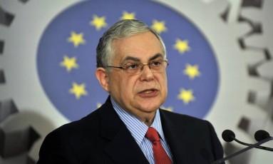 Ex-primeiro-ministro fala durante entrevista coletiva em abril de 2012 Foto: LOUISA GOULIAMAKI / AFP