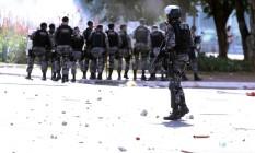 Policiais militares atuando em manifestação em Brasília Foto: Jorge William / Agência O Globo