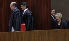 Os ministros Gilmar Mendes, Luiz Fux, Rosa Weber e Herman Benjamin, em sessão do Tribunal Superior Eleitoral Foto: Ailton de Freitas / Agência O Globo/27-04-2017