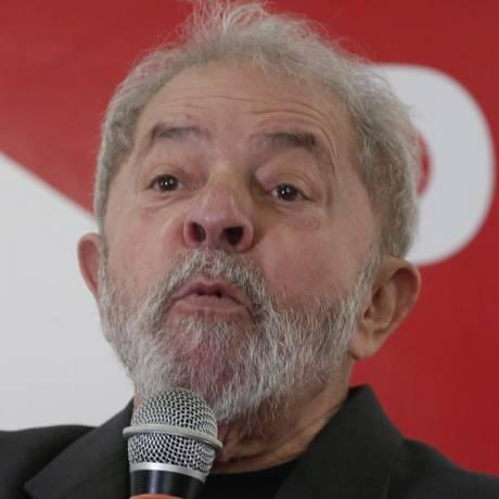 O ex.-presidente Luiz Inácio Lula da Silva participa da posse da nova diretoria do PT de São Bernardo do Campo Foto: Marcos Alves/Agência O Globo/20-05-2017