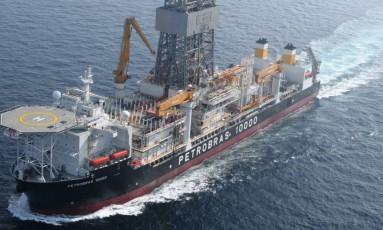 Navio-plataforma da Petrobras que operava na Costa da África Foto: Petrobras/Divulgação