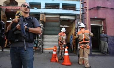 Operação de choque de ordem reúne PM, Polícia Civil e órgãos da prefeitura no entorno da Central Foto: Fabiano Rocha / Agência O Globo