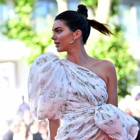 O coque de Kendall Jenner Foto: LOIC VENANCE / AFP