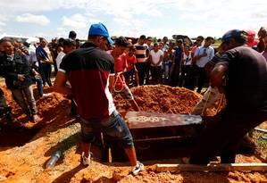 Corpo de vítima de ação policial em fazenda no sudeste do Pará é enterrado em Redenção Foto: LUNAE PARRACHO / REUTERS
