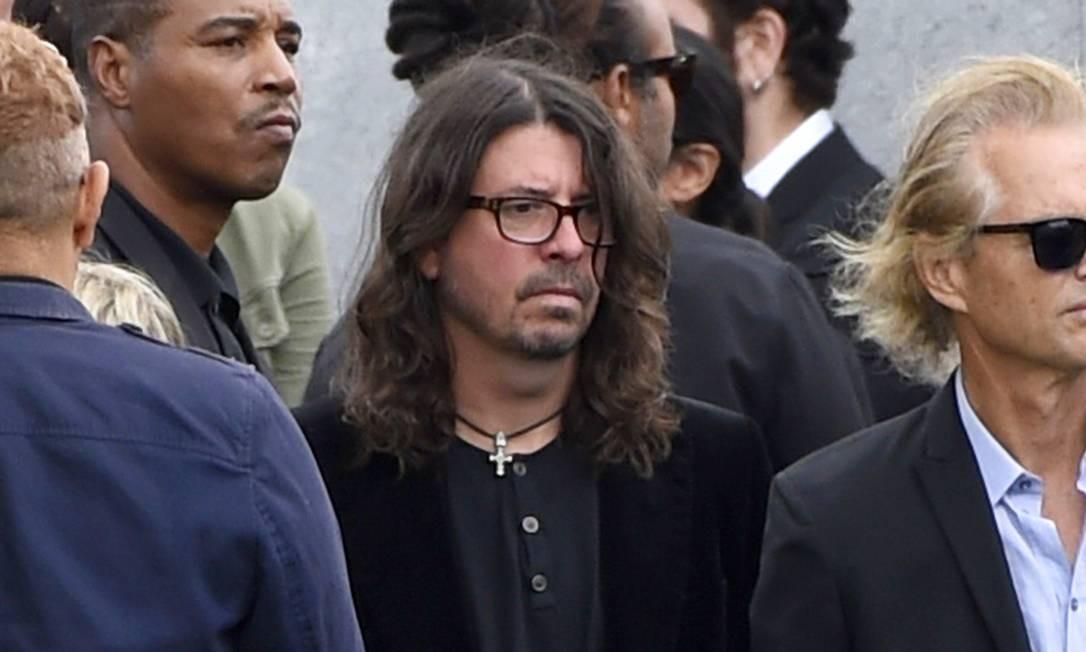 Dave Grohl, do Foo Fighters, também esteve presente, assim como... Foto: Chris Pizzello / AP