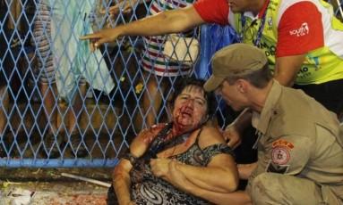 Lúcia Mello teve fratura exposta com o acidente Foto: Marcelo Theobald / O Globo