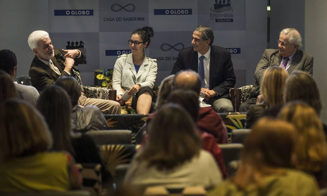 Casa do Saber. Messias, Clarissa Pains, Domênico e Meirelles: debate sobre obesidade Foto: / Guito Moreto