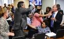 Confusão. Senadores partem para agressão na Comissão de Assuntos Econômicos quando se tentou ler o relatório da reforma trabalhista. Marcos Oliveira/Agência Senado/23-5-2017