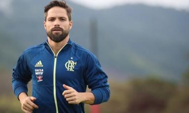 Diego faz treino físico no CT do Ninho do Urubu Foto: Gilvan de Souza/Flamengo