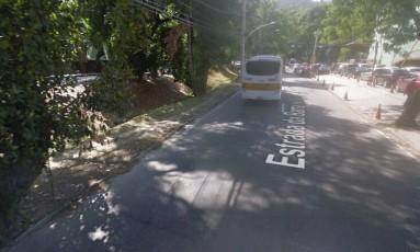 A Estrada da Barra da Tijuca, onde ocorreu o acidente Foto: Google Street View / Reprodução