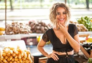 Aos 28 anos, Júlia Vargas joga no mundo o disco 'Pop banana', produzido por ela mesma Foto: Marcos Hermes / Divulgação