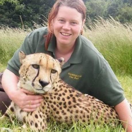 Os guepardos eram os animais preferidos de Rosa King, morta por um tigre no Hamerton Zoo Park Foto: REPRODUÇÃO/FACEBOOK