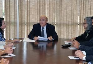 O ministro da Justiça e Segurança Pública, Osmar Serraglio, recebeu membros do Instituto Brasileiro de Política e Direito do Consumidor (Brasilcon) e do Conselho Federal da Ordem dos Advogados do Brasil (OAB) Foto: Divulgação